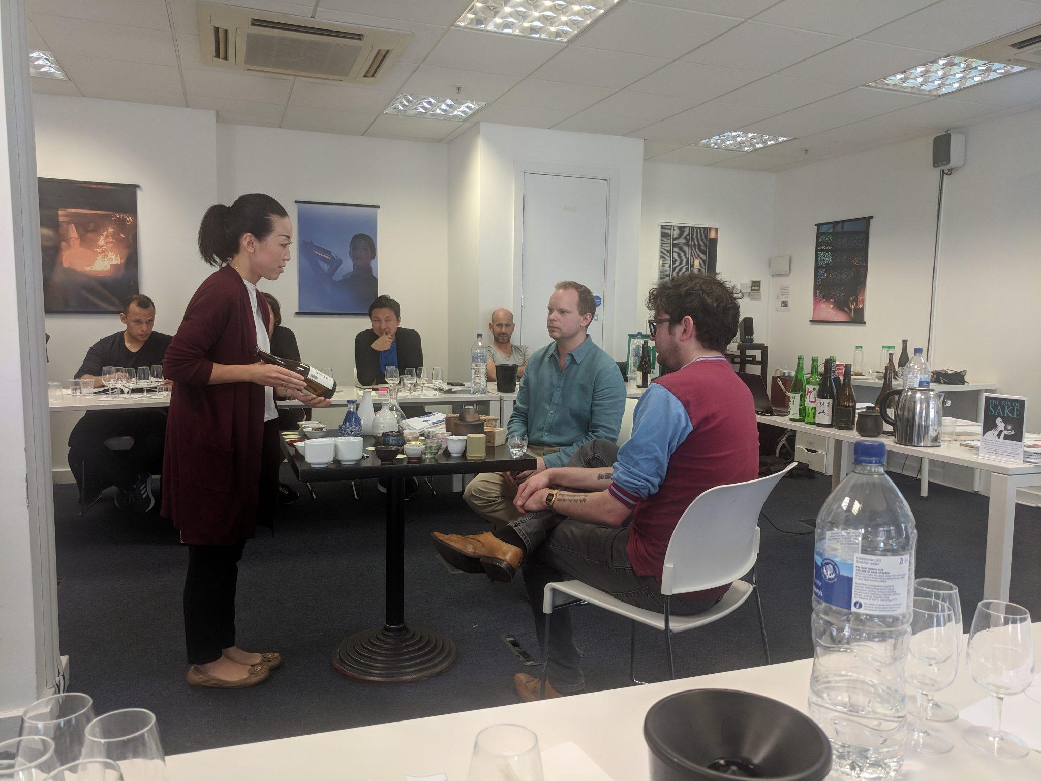 Kikisake-shi Sake Course: sake serving